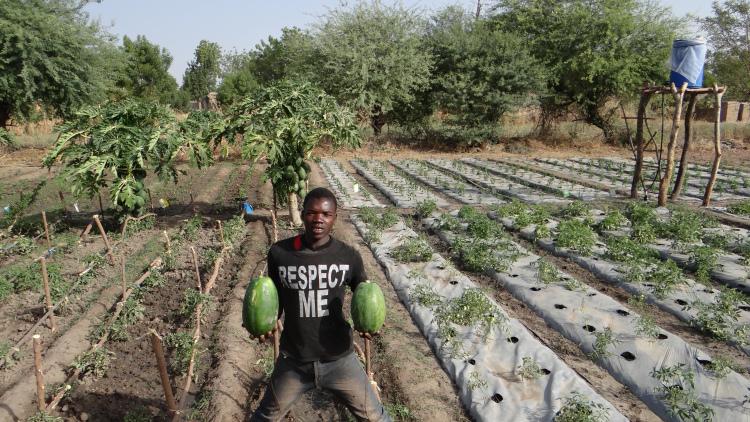 Jonge boer Adama Traore (19) in Mali Foto credits: IFDC Perspectives